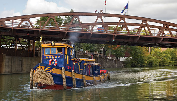 The resplendent tugboat Urger. You can't hear the clanging warning bell of the rising Fairport lift bridge, but it's every bit as memorable as Urger.