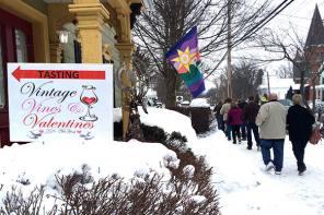 Enjoy a Naples Valentines Extravaganza