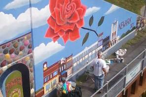ERIE CANAL MURAL ARTIST PAINTS ON-SITE AT THE SAVANNAH ART FESTIVAL