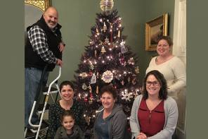 Canandaigua Lake Wine Trail Members Decorate and Donate  Holiday Tree to Granger Homestead's Festival of Trees