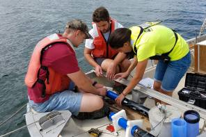 USGS Kicks Off Innovative Project to Study Harmful Algal Blooms in New York