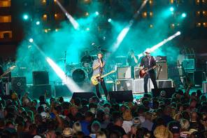 Roger Clyne & The Peacemakers Coming to Canandaigua