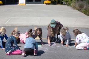 Geneva Girl Scouts Day of Service: Messages of Positivity at FLCC Geneva Campus